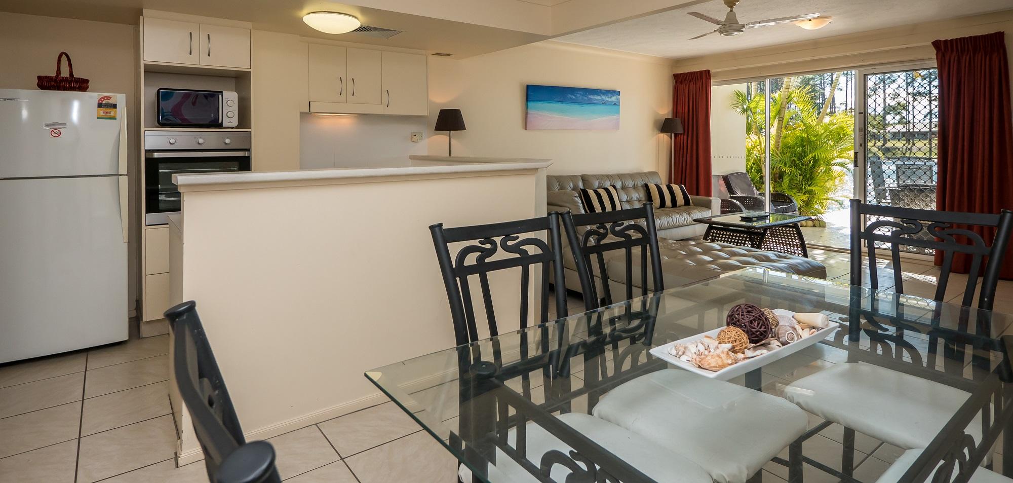 Isle of Palms Resort Accommodation - Dining