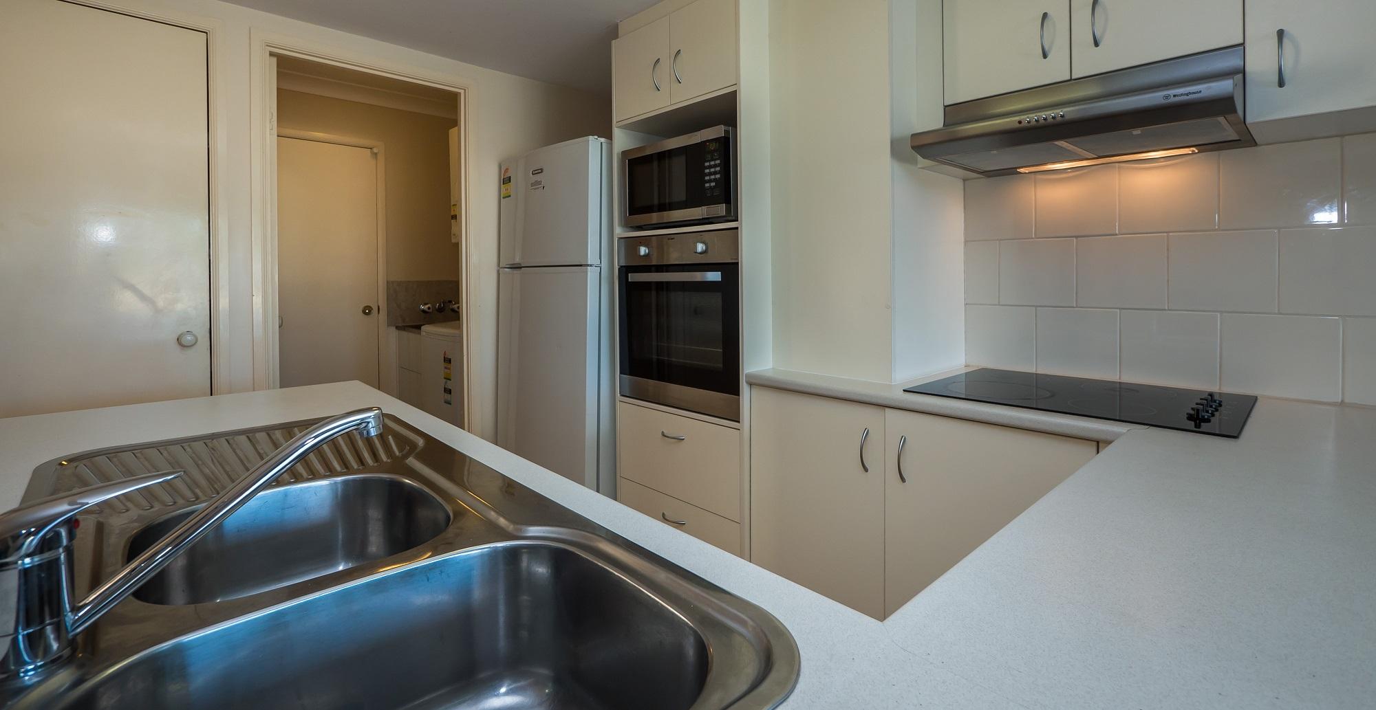Isle of Palms Resort Accommodation - Kitchen